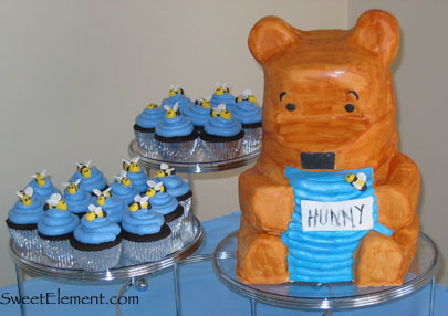 Pooh Bear and Bee Cupcakes
