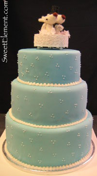 blue_wedding_cake_with_topper