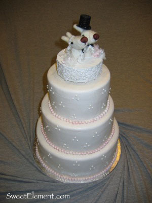 wedding_cake_with_topper