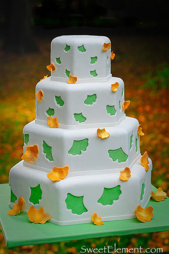 Falling Gingko Leaf Cake